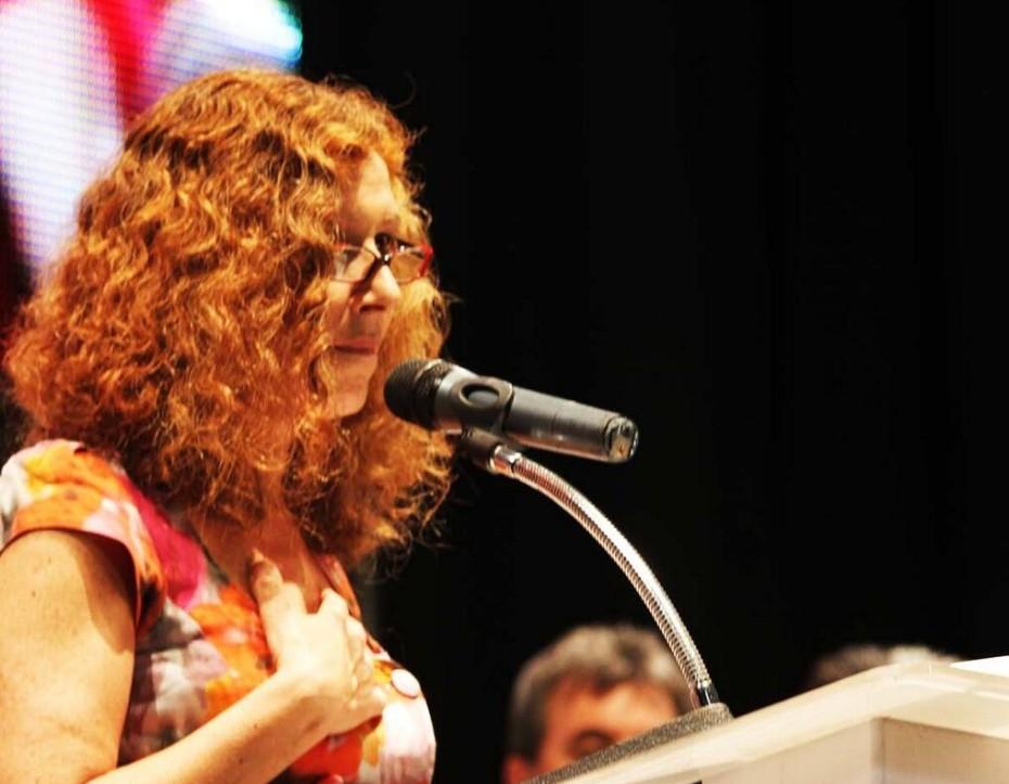 Proclaman a Constanza Moreira como precandidata del FA
