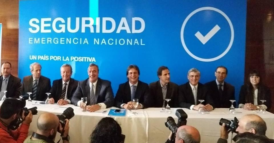 Lacalle Pou presenta grupo de asesores en seguridad pública. Foto: Twitter El País.