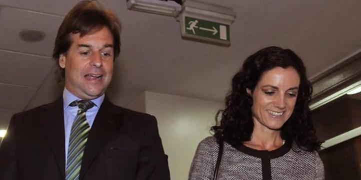 Lacalle Pou junto a Arbeleche a la salida de la presentación como eventual ministra. Foto: Montevideo Portal.