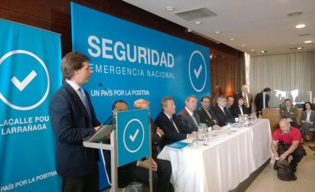 Lacalle Pou no presentó a su candidato a Ministro del Interior. Foto: Twitter del diario El País.