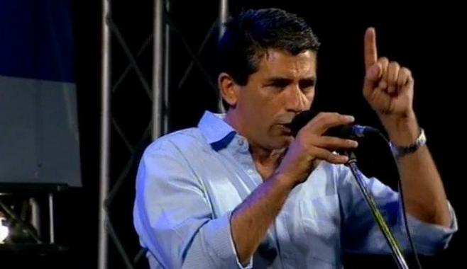 Raúl Sendic en el acto final del FA. Foto: FrenteAmplioTV.