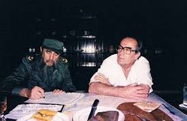 Reunión de amigos entre Fidel Castro y Wilson Ferreira. Foto: Alexis Jano Ros http://www.documentum.com.uy/herenciadeemprendedores/galeria.php