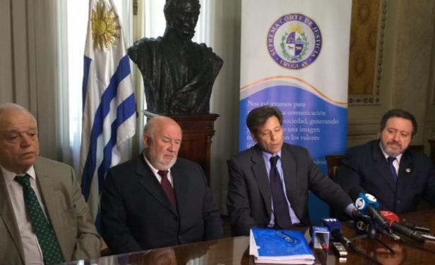 Integrantes de la SCJ. Foto: El País.
