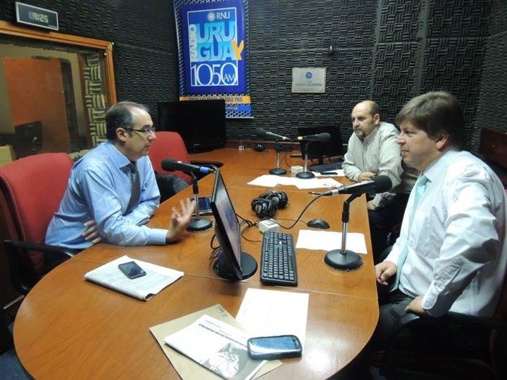 """J.C. Mahía entrevistado en """"De Ocho a Diez"""". Foto: web Radio Uruguay."""