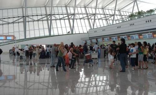 Salidas del Aeropuerto Internacional de Carrasco, Montevideo. Foto: El País.