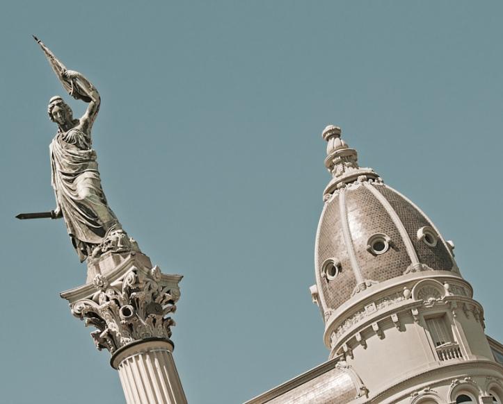 Estatua de la Libertad, Plaza Cagancha de Montevideo. Foto: Flickr de Ojo Torpe.