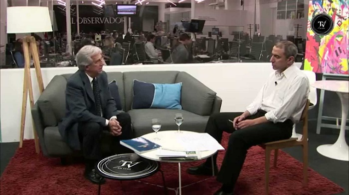 Tabaré Vázquez junto a Gabriel Pereyra en El Observador TV. Foto: YouTube El Observador TV.