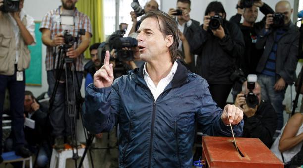 Luis Lacalle Pou durante su acto de sufragio en 2014. Foto: El Comercio de Perú.