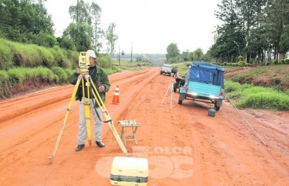 Inicio de obras para la construcción de caminos. Foto: ABC de Paraguay.