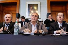 Jorge Larrañaga en conferencia de prensa tras pronunciamiento de la Institución Nacional de Derechos Humanos.